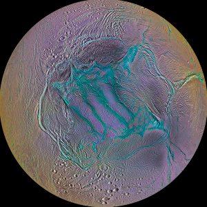 Enceladus, een van de manen van Saturnus
